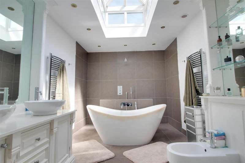 4 Bedrooms Detached Bungalow for sale in Brookdene Avenue, Oxhey Hall
