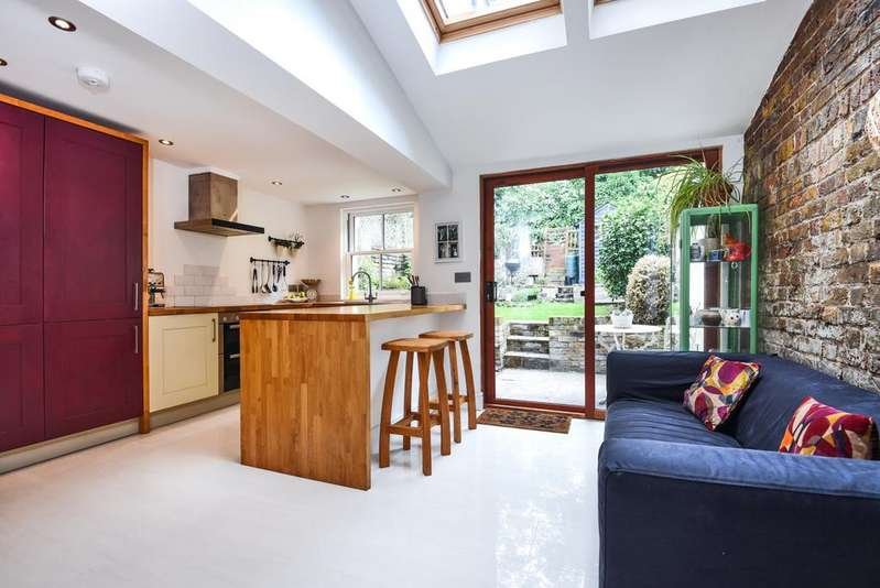 2 Bedrooms Terraced House for sale in Maidenstone Hill London SE10