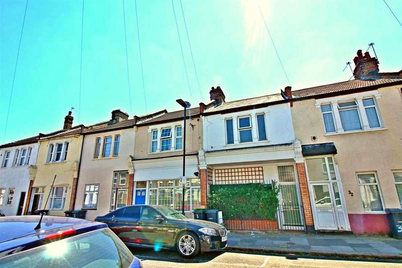 3 Bedrooms Terraced House for sale in Conway Road, London