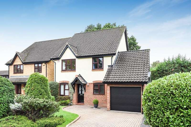 4 Bedrooms Detached House for sale in Wyvern Close, Bracknell, RG12