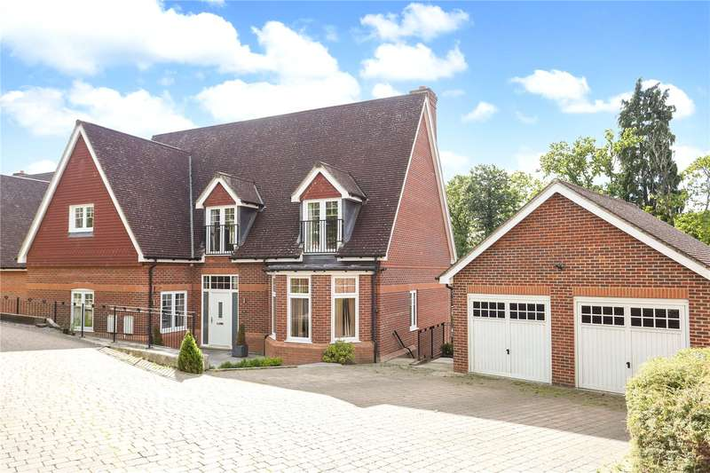 5 Bedrooms Detached House for sale in Ibworth Lane, Fleet, Hampshire, GU51