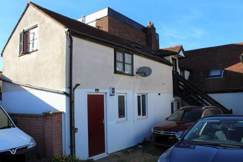 2 Bedrooms Flat for sale in High Street, Biggleswade, SG18