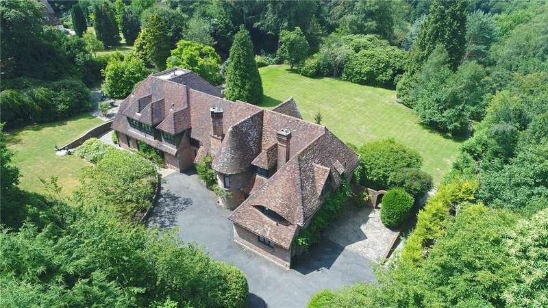 5 Bedrooms Detached House for sale in Warren Lane, Cross in Hand, Heathfield, East Sussex, TN21