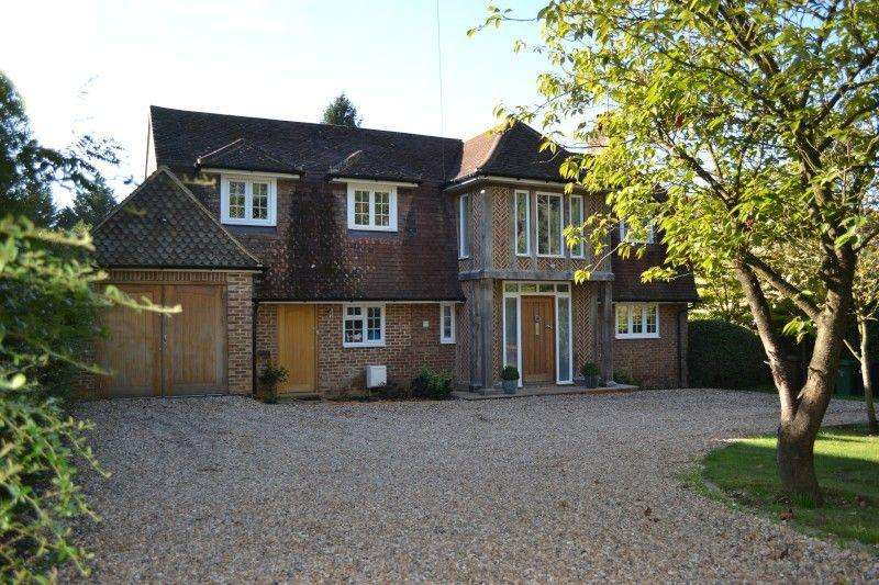 5 Bedrooms Detached House for sale in Pilgrims Way, Guildford