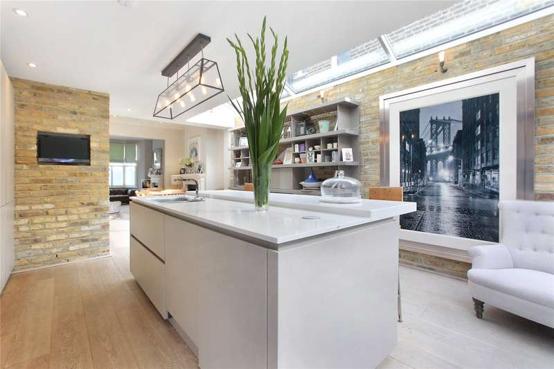 5 Bedrooms Terraced House for sale in Chatto Road, Battersea, London, SW11