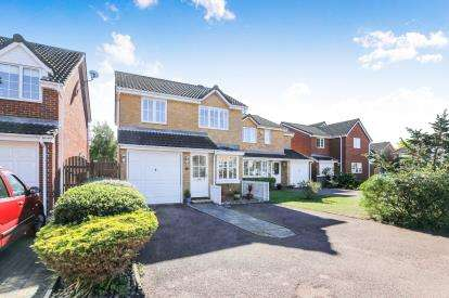 3 Bedrooms Detached House for sale in Bluebell Close, Biggleswade, Bedfordshire