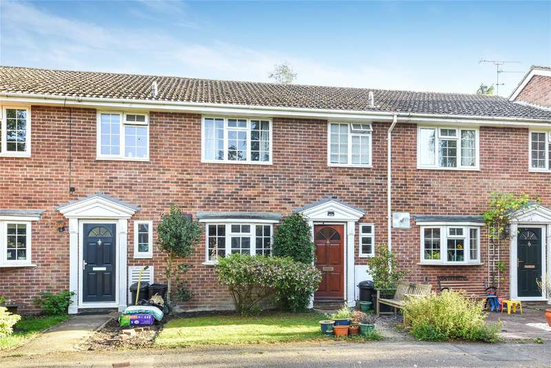 3 Bedrooms Terraced House for sale in Cambrian Way, Finchampstead, Wokingham, Berkshire, RG40