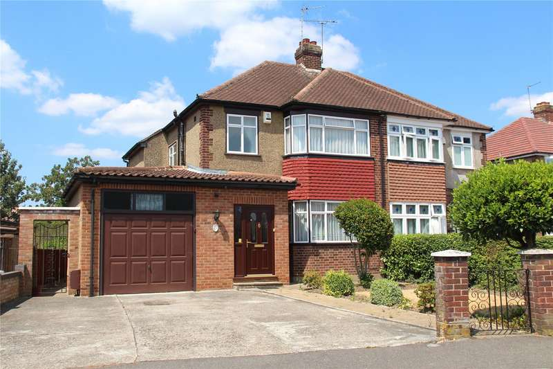 3 Bedrooms Semi Detached House for sale in Glenavon Gardens, Langley, Slough, SL3