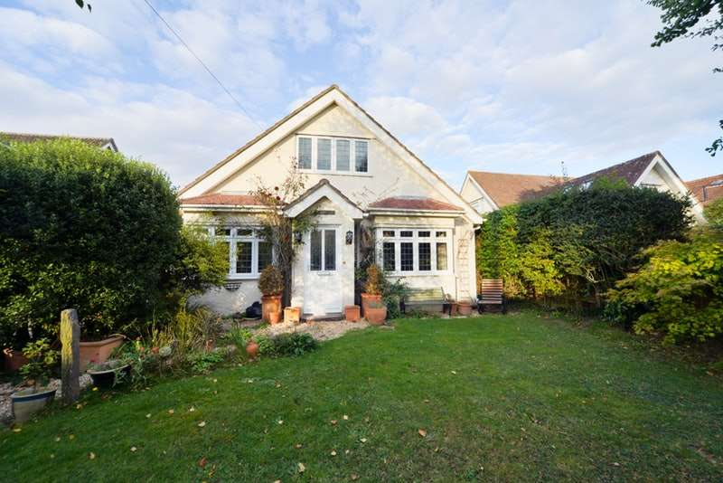 5 Bedrooms Detached House for sale in Barton Lane, New Milton, Hampshire, BH25