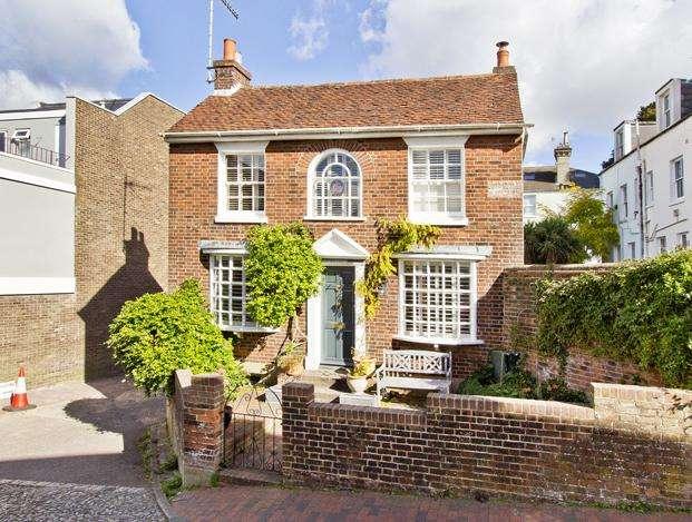 4 Bedrooms Detached House for sale in Warwick Road, Tunbridge Wells TN1