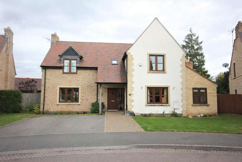 4 Bedrooms Detached House for sale in Old Manor Gardens, Wymondham