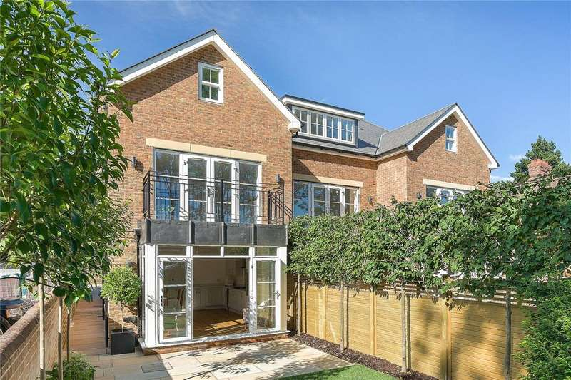 4 Bedrooms End Of Terrace House for sale in College Street, Petersfield, Hampshire, GU31