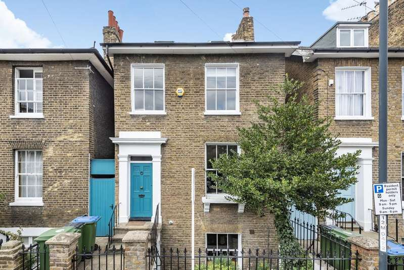 5 Bedrooms Detached House for sale in Egerton Drive West Greenwich SE10