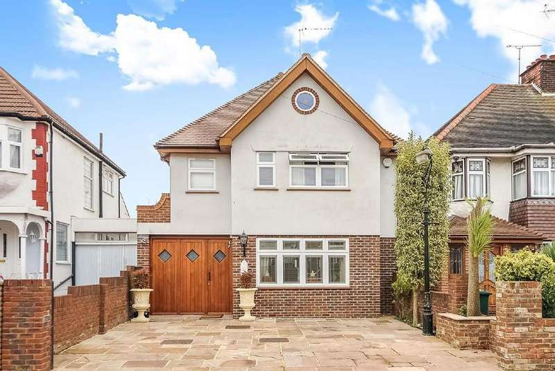 6 Bedrooms Detached House for sale in Sandringham Gardens, North Finchley