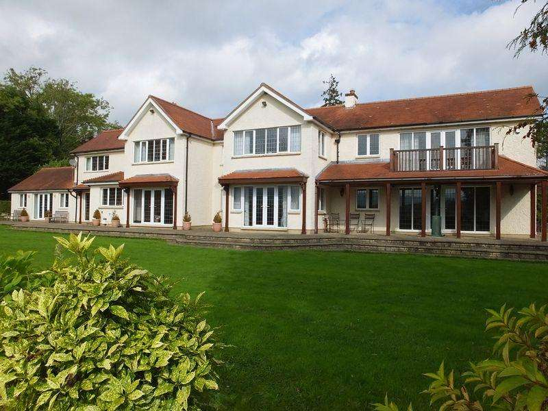 5 Bedrooms Detached House for sale in Tresilion, Nantyderry, Abergavenny
