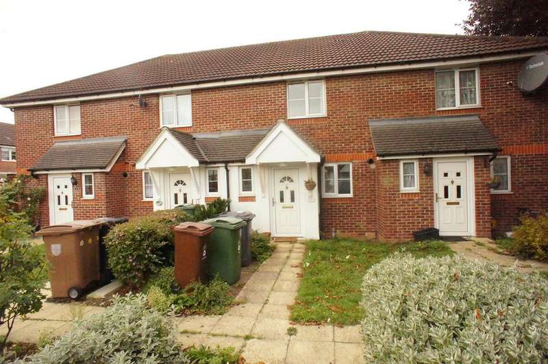 2 Bedrooms Terraced House for sale in Finch Gardens, Chingford