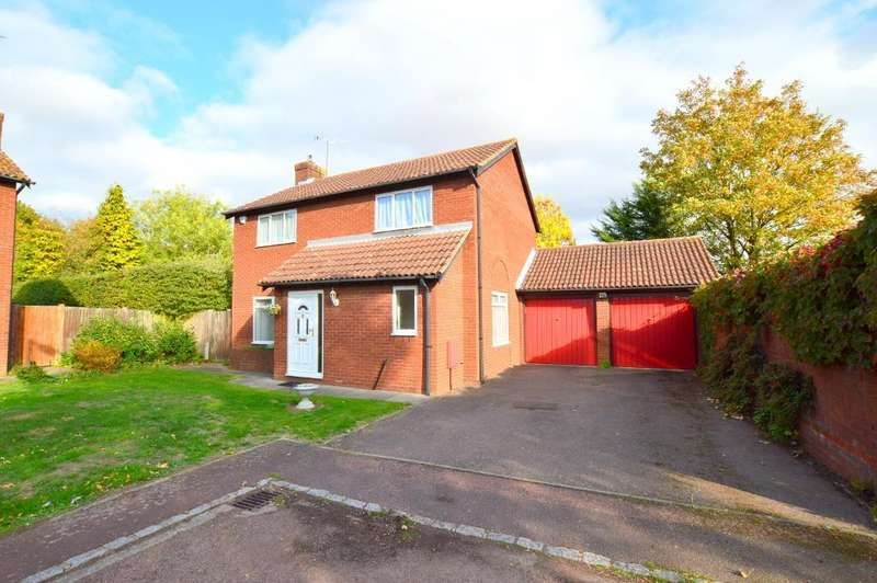 4 Bedrooms Detached House for sale in Stoneleigh Close, Barton Hills, Luton, LU3 3XE