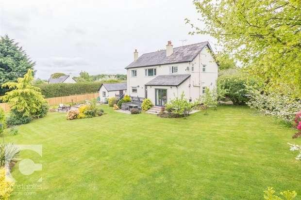 4 Bedrooms Detached House for sale in Dunstan Lane, Burton, Neston, Cheshire