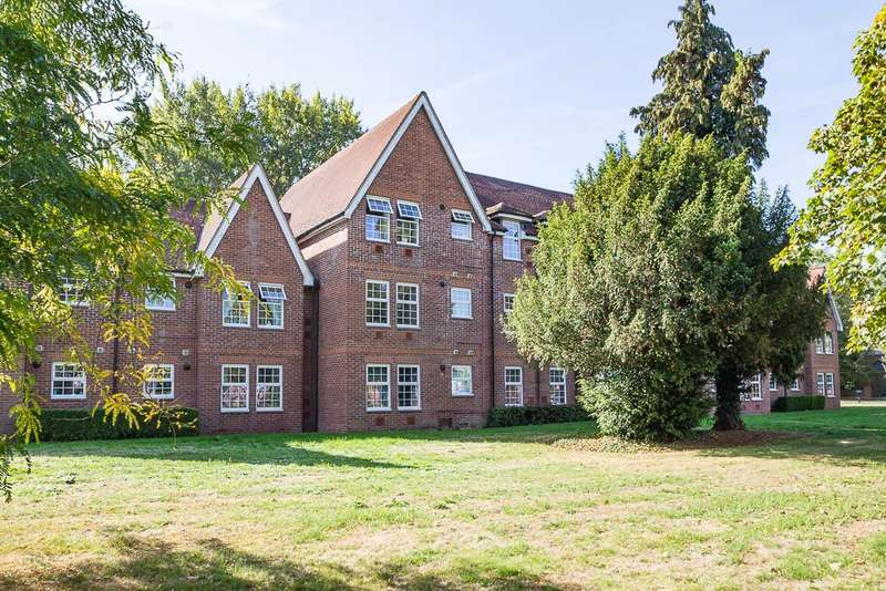 2 Bedrooms Flat for sale in New Horton Manor, Dawn Redwood Close, Horton, SL3