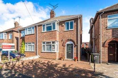 3 Bedrooms Semi Detached House for sale in Edwalton Avenue, Peterborough, Cambridgeshire