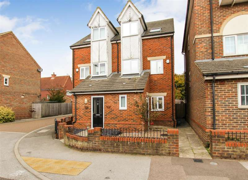 3 Bedrooms Semi Detached House for sale in Watling Street, Hockliffe, Leighton Buzzard
