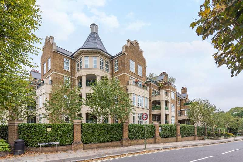 5 Bedrooms Penthouse Flat for sale in Mountview Close, Golders Green, NW11