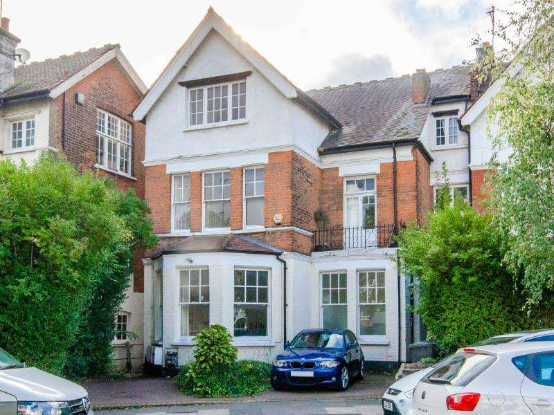 2 Bedrooms Ground Flat for sale in Alexandra Park Road, N10