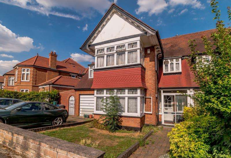 5 Bedrooms Semi Detached House for sale in Campden Crescent, Wembley, Middlesex