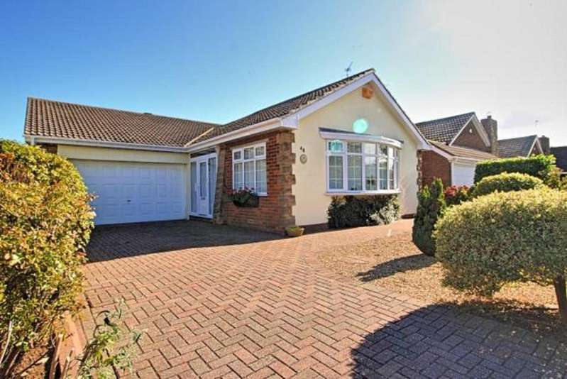 4 Bedrooms Detached Bungalow for sale in Wheatlands Park
