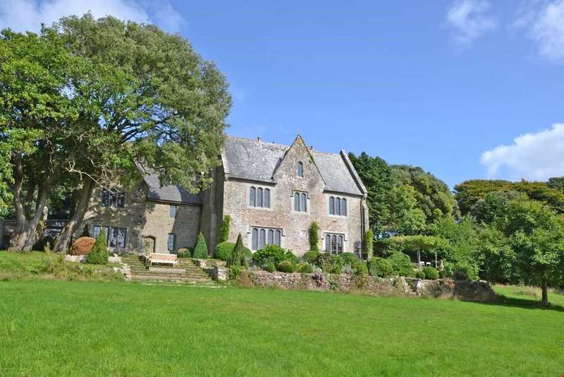 6 Bedrooms Detached House for sale in Crowan, between the north and south coasts, Nr. Camborne, Cornwall