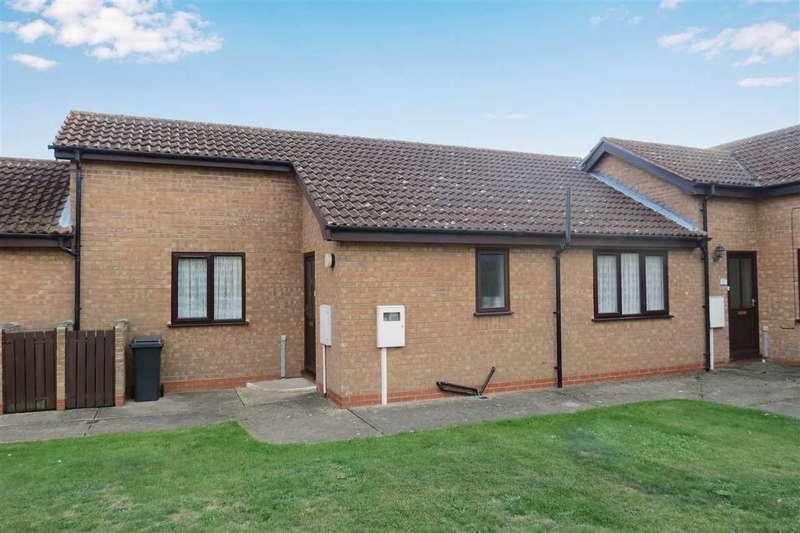 2 Bedrooms Bungalow for sale in Osborn Way, Heckington