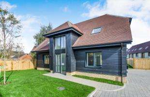 4 Bedrooms Detached House for sale in Scocles Court, Scocles Road, Minster On Sea, Kent