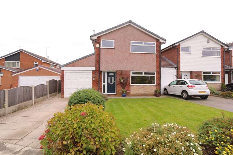 3 Bedrooms Detached House for sale in Old Meadow Drive, Denton, Manchester, M34