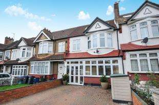 5 Bedrooms Terraced House for sale in Briar Road, Norbury, London