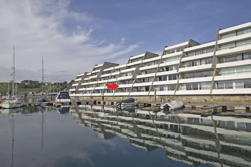 4 Bedrooms Flat for sale in Stonehouse, Plymouth