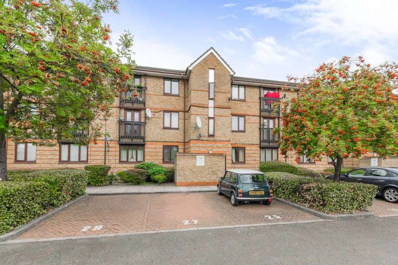 1 Bedroom Flat for sale in Chopwell Close, Stratford, E15