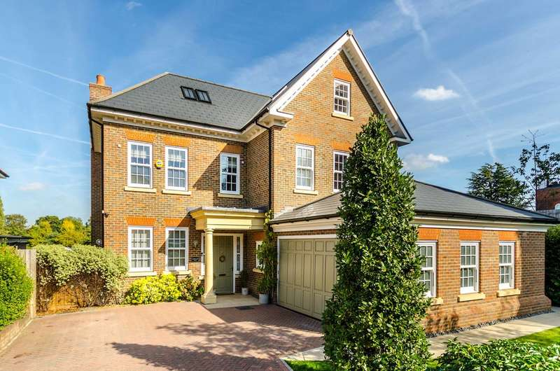 5 Bedrooms Detached House for sale in Marian Gardens, Sundridge Park, BR1
