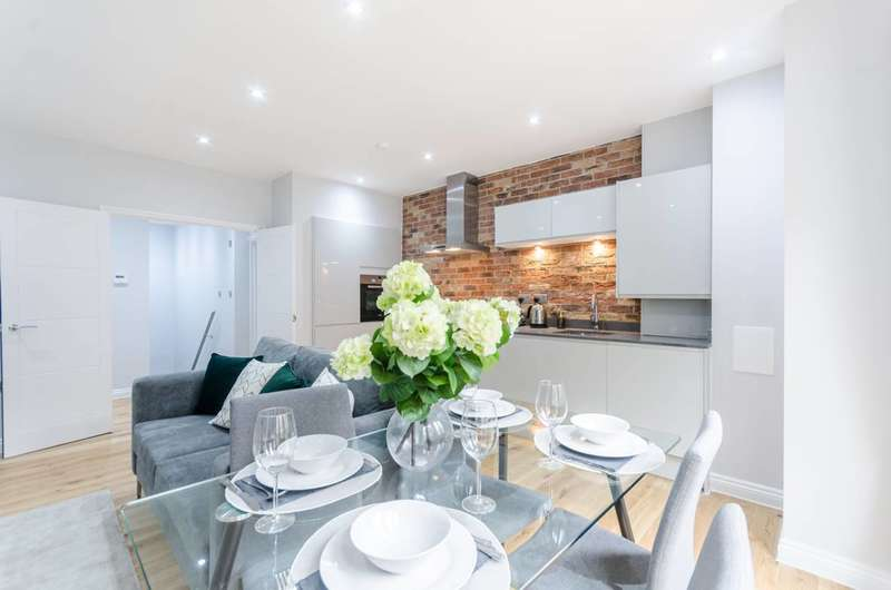 2 Bedrooms Penthouse Flat for sale in Tessa Apartments, East Dulwich, SE22