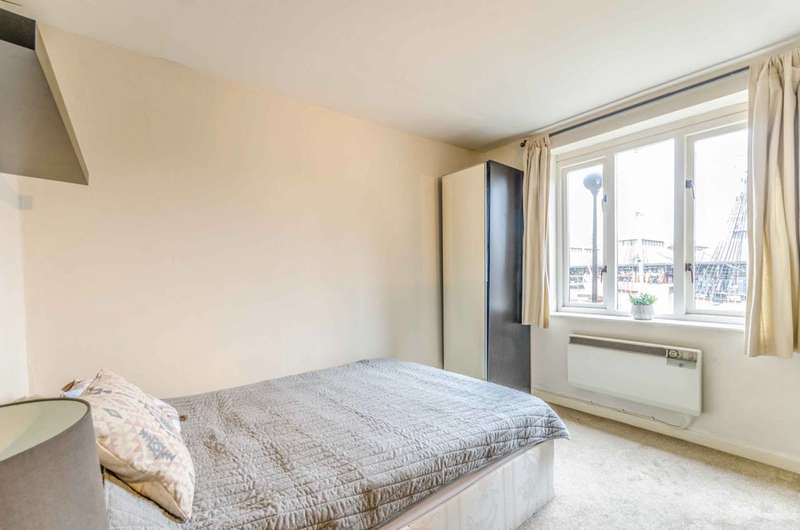 1 Bedroom Flat for sale in Discovery Walk, Wapping, E1W