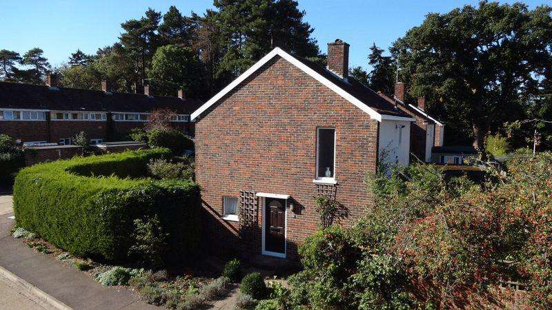 3 Bedrooms Detached House for sale in Cooks Spinney, Harlow