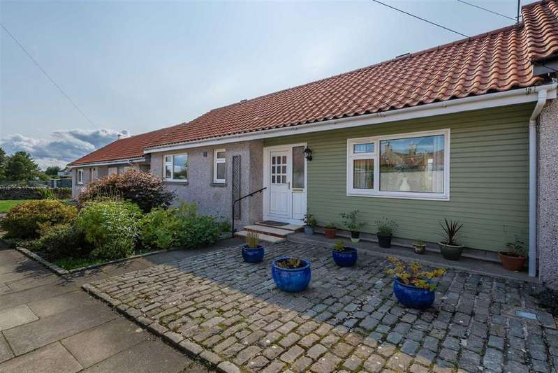 2 Bedrooms Bungalow for sale in Bruce Square, Kilconquhar, Fife