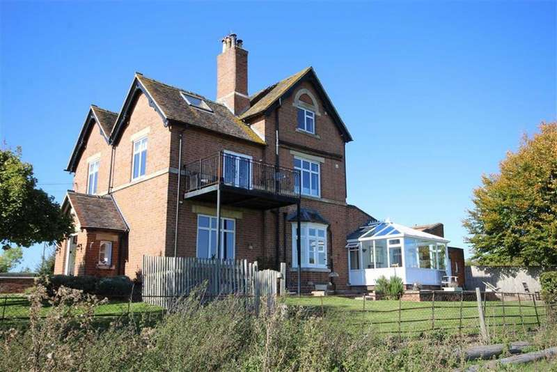 5 Bedrooms Semi Detached House for sale in Tewkesbury Road, Coombe Hill, Gloucester