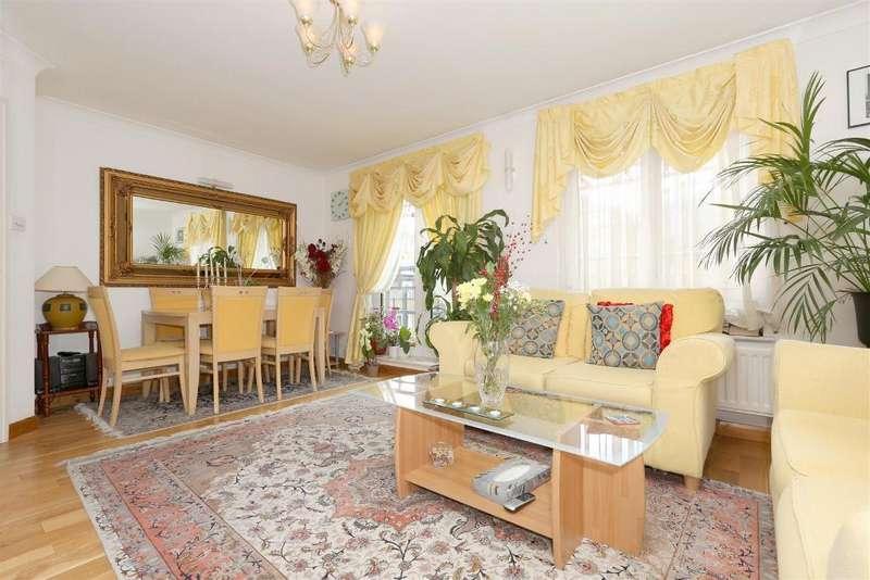 2 Bedrooms Flat for sale in Hunter Lodge, Admiral Walk, London, W9 3TQ