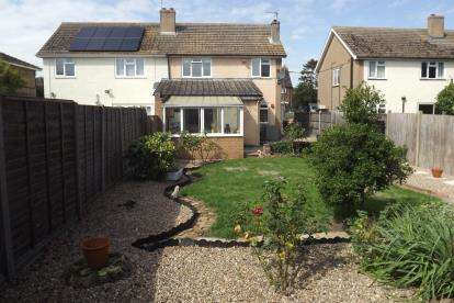3 Bedrooms Semi Detached House for sale in High Street, Southoe, St. Neots, Cambridgeshire