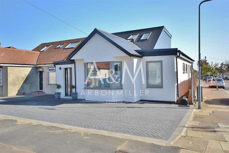 5 Bedrooms Semi Detached Bungalow for sale in Kelston Road, Barkingside