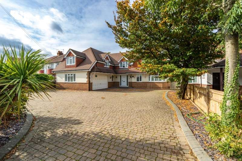 6 Bedrooms Detached House for sale in Maidstone Road, Chatham, ME4