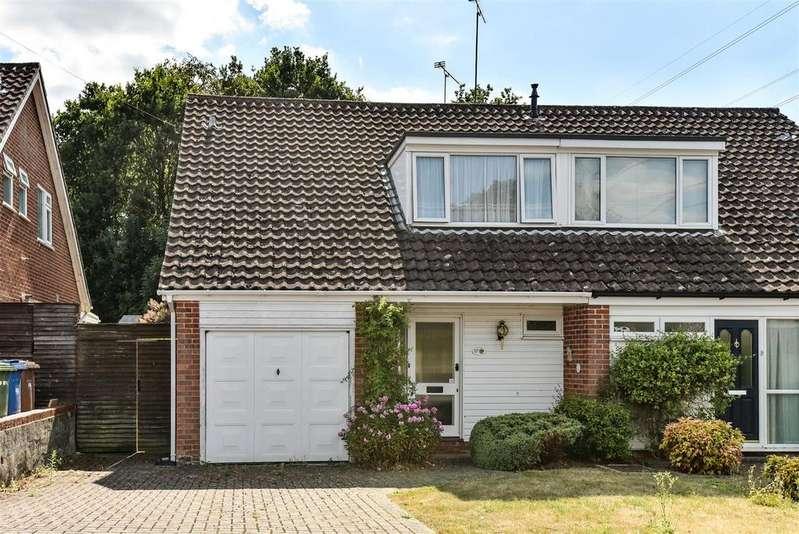 3 Bedrooms Semi Detached House for sale in Cheviot Road, Sandhurst, Berkshire, GU47 8NE