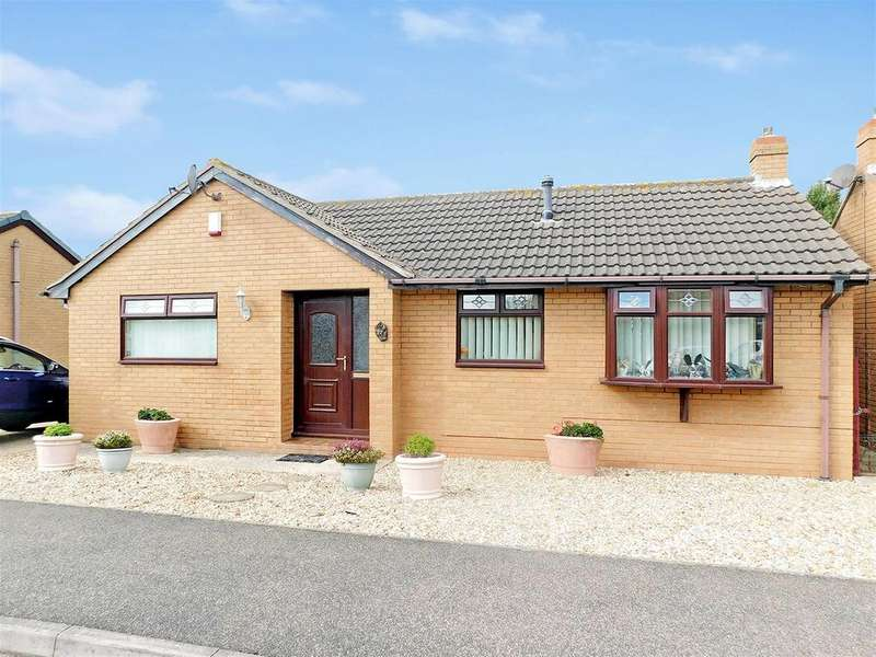 2 Bedrooms Bungalow for sale in The Green, Mablethorpe, LN12 1JS