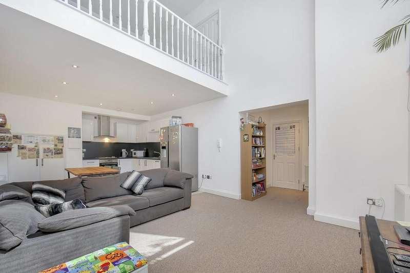 3 Bedrooms Flat for sale in Blondin Street, London E3