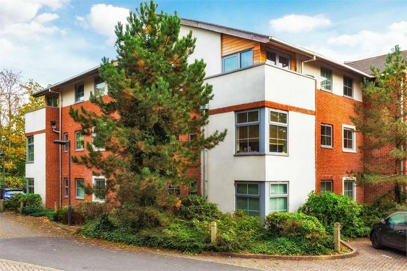 2 Bedrooms Flat for sale in Windmill Road, Slough, Berkshire